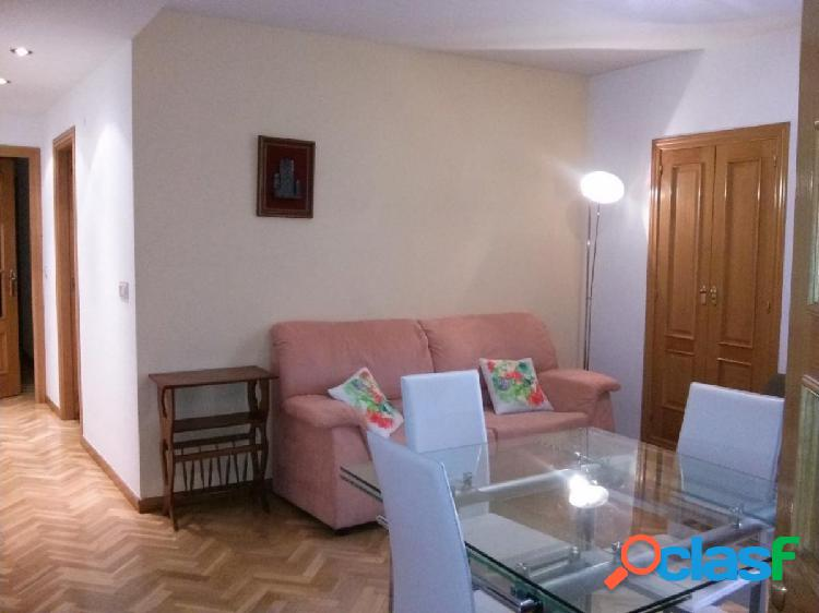 Urbis te ofrece un piso en alquiler en zona San Cristóbal,