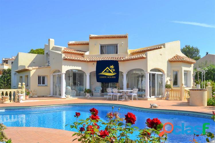 Villa estilo Clásico · Mediterráneo en la exclusiva zona