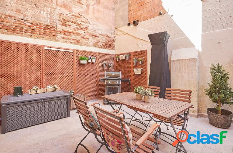 Acogedora planta baja con terraza en el corazón de la Vila