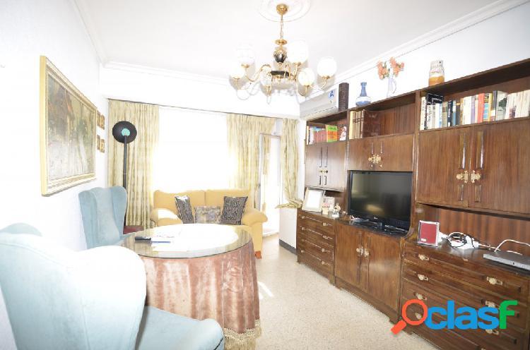 Urbis te ofrece un estupendo piso en zona San Isidro,