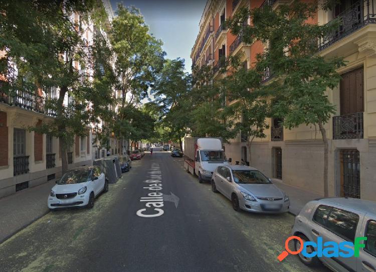Alquiler de piso reformado exterior en zona de El Prado 3