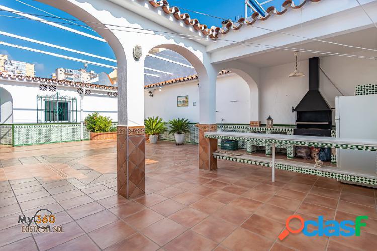 Amplia Casa en los Boliches con gran patio y solarium!