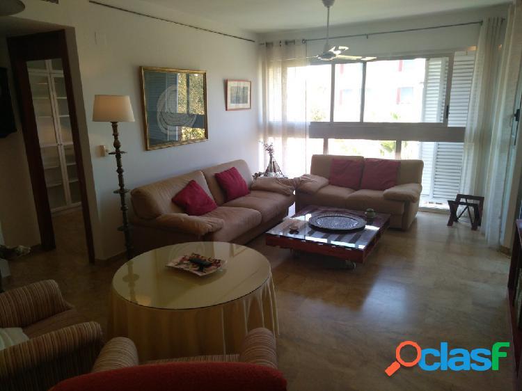 Bonito piso de 4 dormitorios con terraza en la mejor zona de
