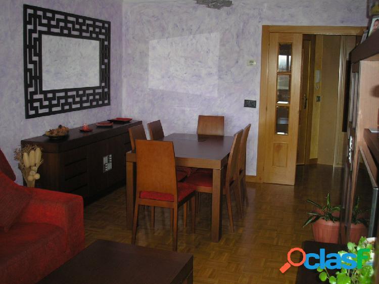 Urbis te ofrece un interesante piso en zona El Canto,