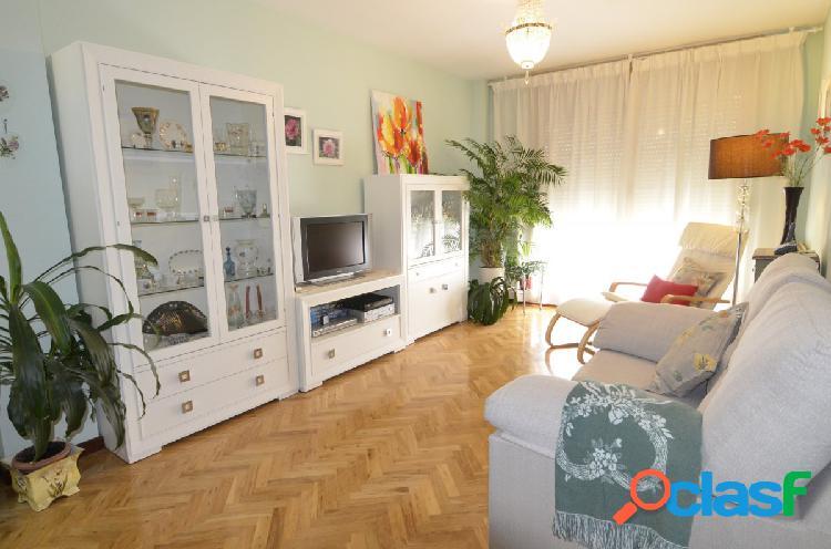 Urbis te ofrece un maravilloso piso en la zona de El