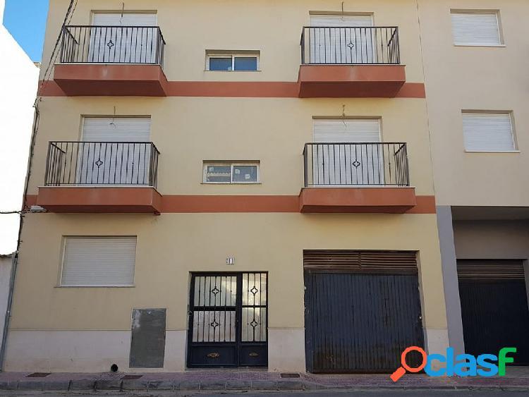 ++ vivienda en muy buen estado, situada en Ceutí