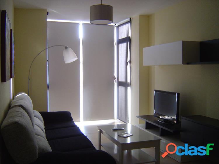 Apartamento de 2 dormitorios y garaje en zona Corte Inglés.