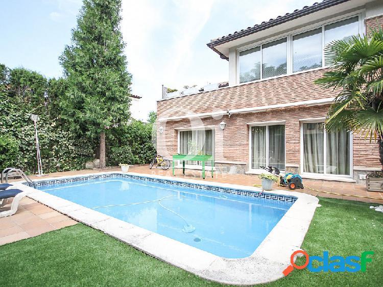 Casa en venta en Corbera de Llobregat, Barcelona