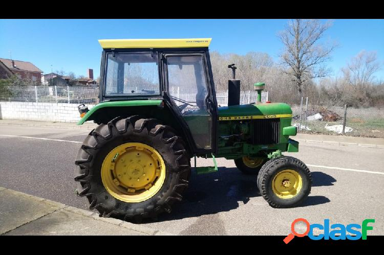 Tractor john deere 2035