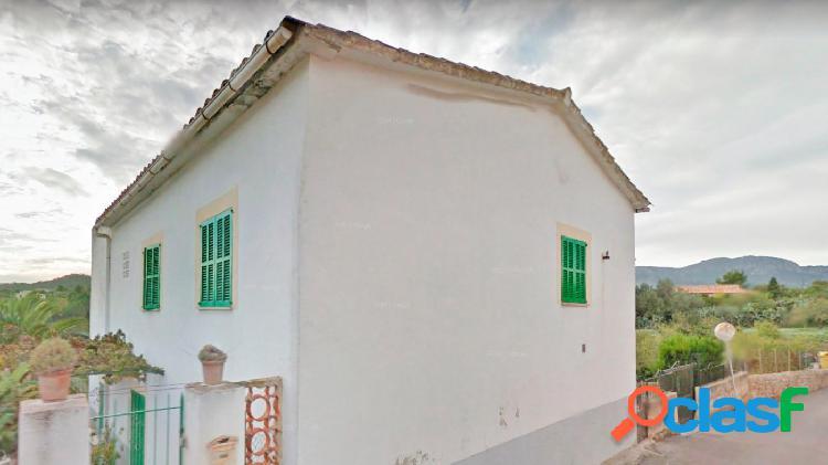 Casa de pueblo separada en dos viviendas independientes