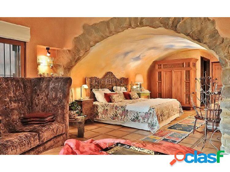 Encantadora masía del siglo XVIII, hay licencia de hotel