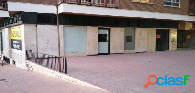 Local en venta en Guadalajara. Calle Sigüenza.