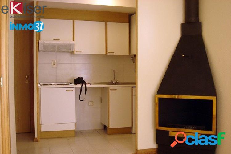 Ekiser vende Apartamentocon plaza de garaje en Canfranc,