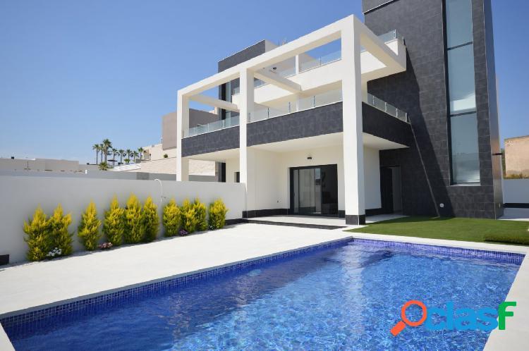 Modernas Villas Pareadas con Piscina Privada en Benijofar