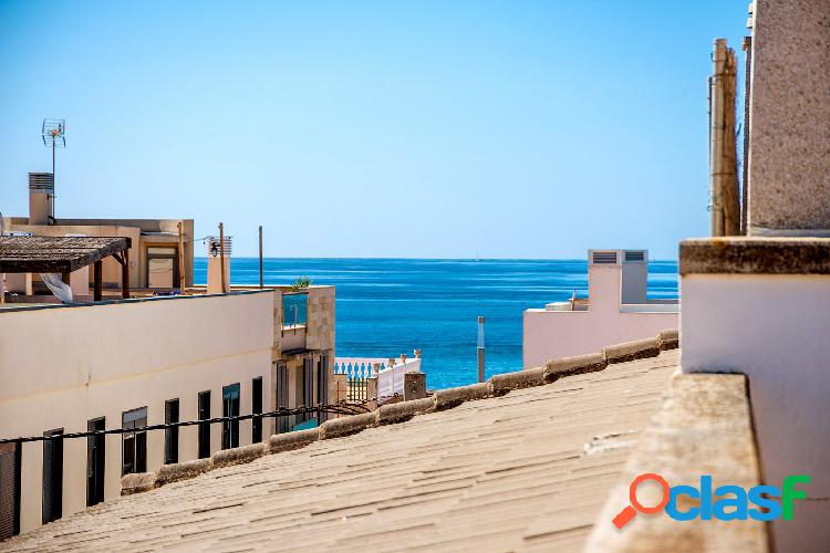 Se vende chalet pareado con vistas al mar en el Molinar