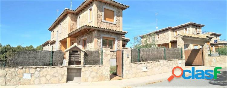 Urbis te ofrece chalet pareado en alquiler en Villamayor,