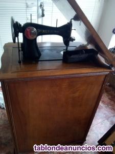 Vendo maquina de coser alfa con su mueble