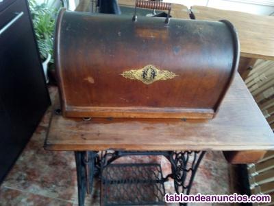 Vendo máquina de coser singer antigua