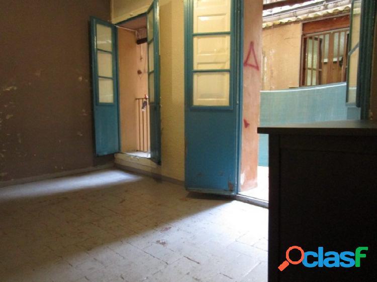 Apartamento de dos dormitorios en Casc Antic (Barcelona)