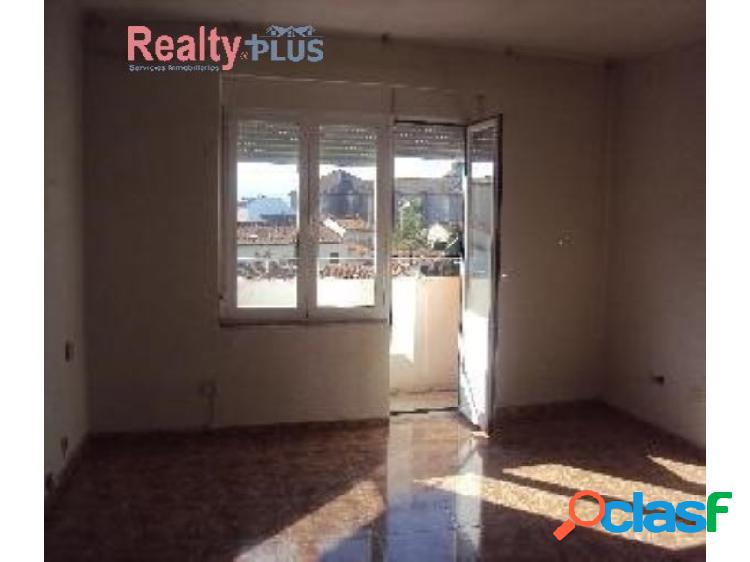 CH- Piso de 4 dormitorios y 2 baños procedente de banco a