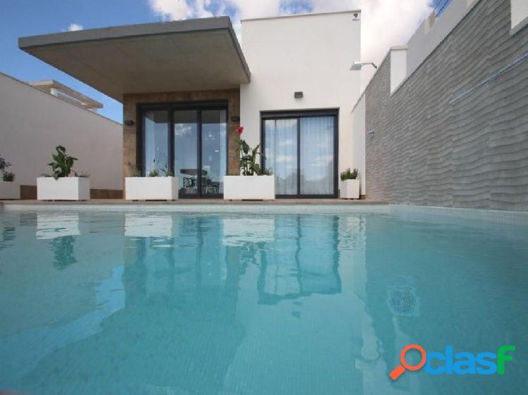 Villa independiente con piscina privada en Castalla