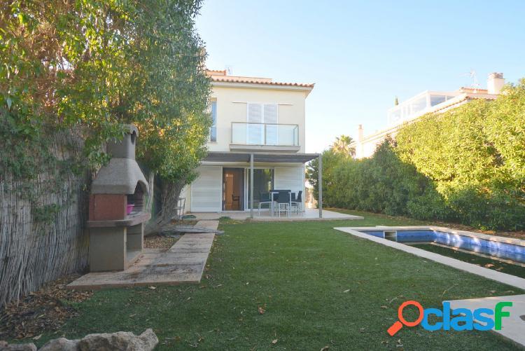 Fantástico chalet con piscina y jardín en Puig de Ros