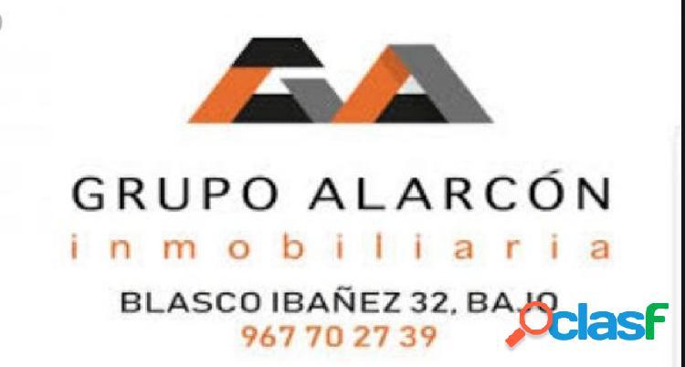 GRUPO ALARCON ALQUILA ESTUPENDO PISO EN ZONA CENTRO