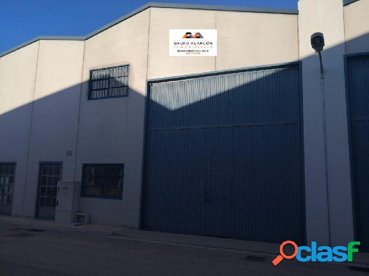 Grupo alarcon vende nave industrial