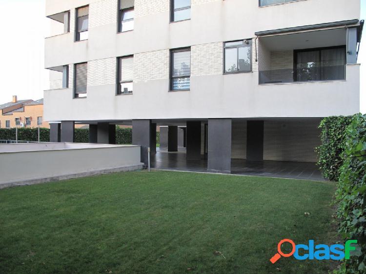 Piso de 3 dormitorios en alquiler en Los Villares, Arganda