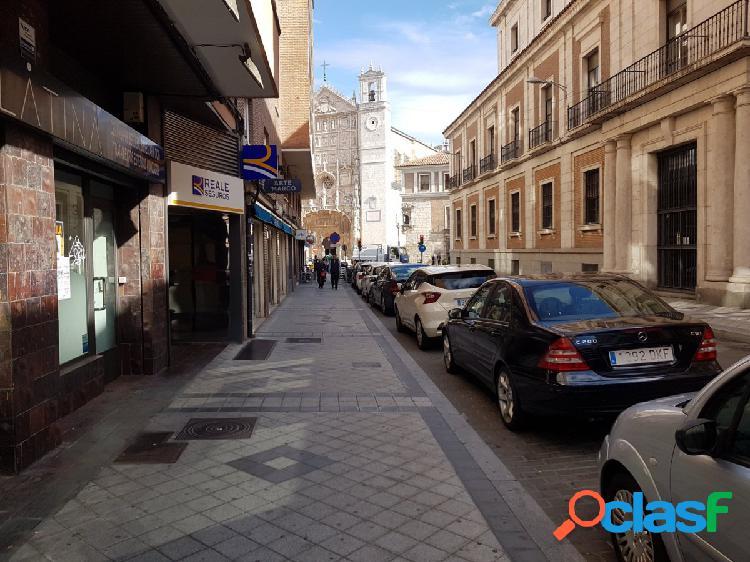 Se vende piso en Calle FelipeII