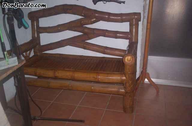 Sofa y sillones de madera y bambu