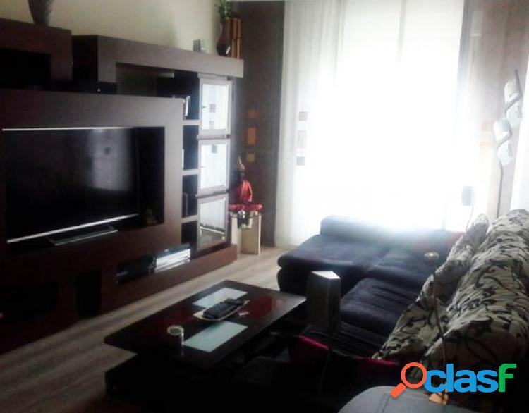 Urbis te ofrece un fantástico piso en Villamayor,