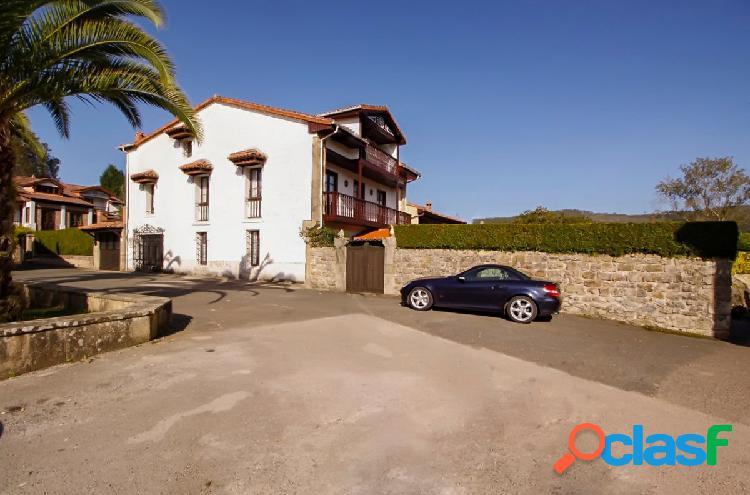 Casa solariega con jardín en Valdaliga (El Mazo)