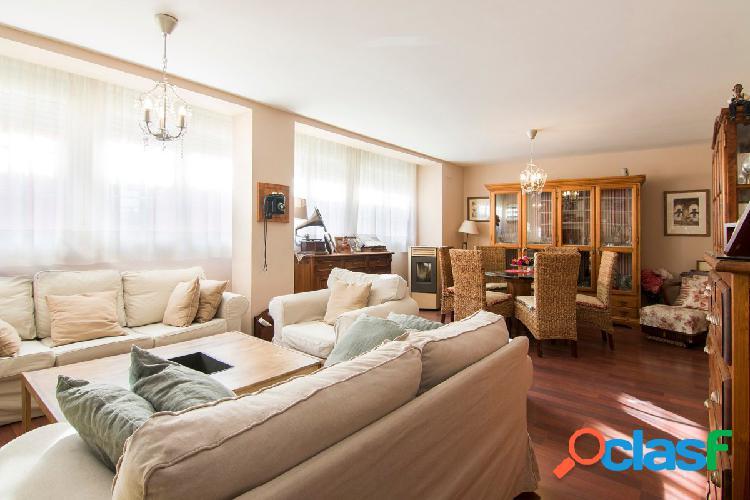Estupendo piso en el centro de Granada, en la calle San