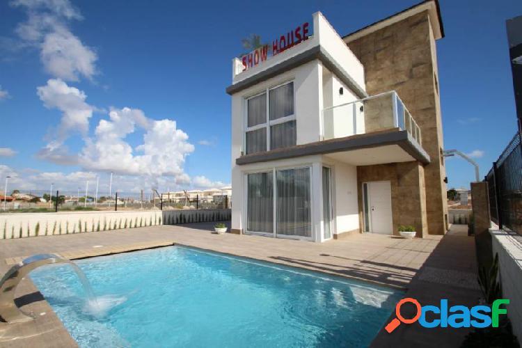 Modernas villas Independientes de 4 dormitorios en San