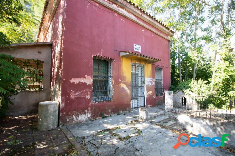 Oportunidad! Casa con terreno en Sant Andreu!!