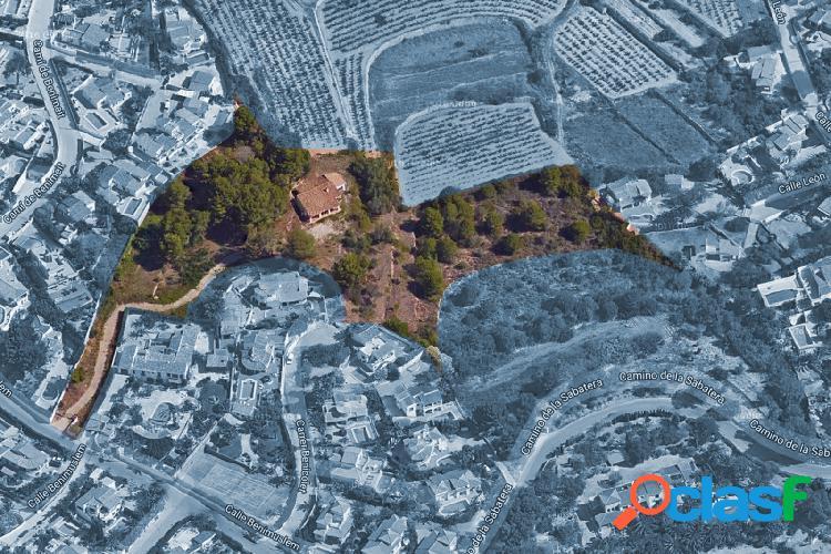 Parcela de 9000 m2 en Moraira