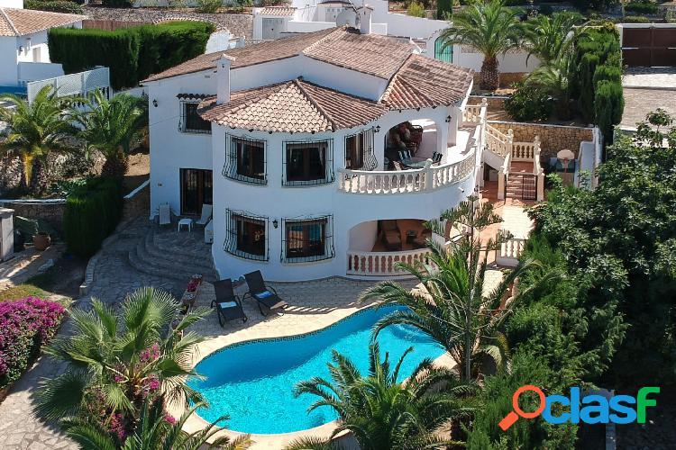 Villa de estilo mediterráneo e