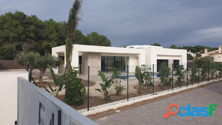 Villa moderna de nueva constru