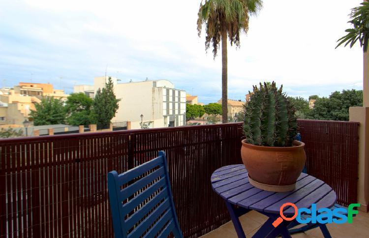 Adosado en venta con 2 terrazas y 1 habitación en planta