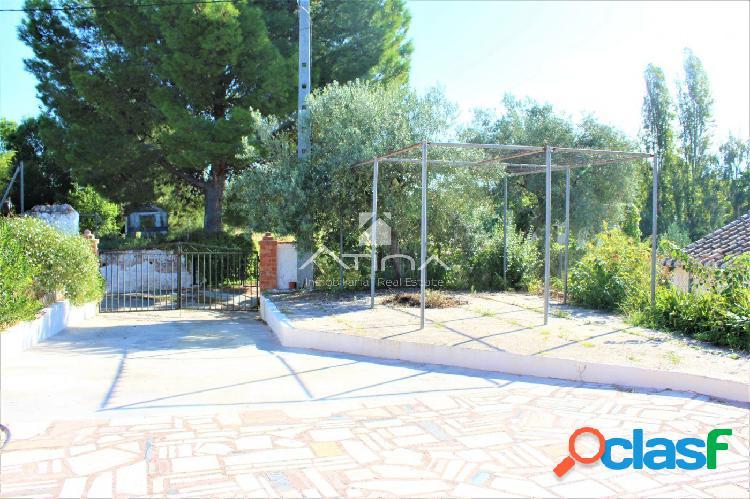 Chalet con parcela de 1662 m2 situado en el Grau de Gandia,