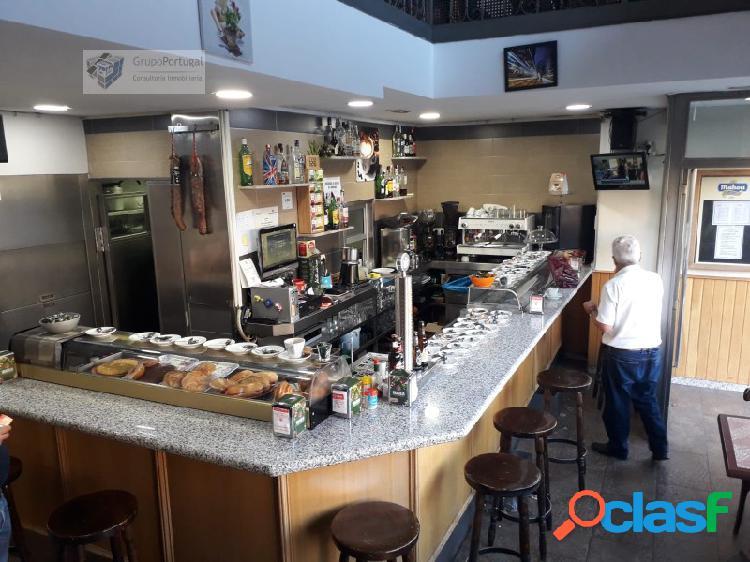 Traspaso Bar Restaurante 150m² con terraza, en zona