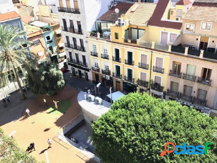 Vivienda en edificio singular Plaza Nueva
