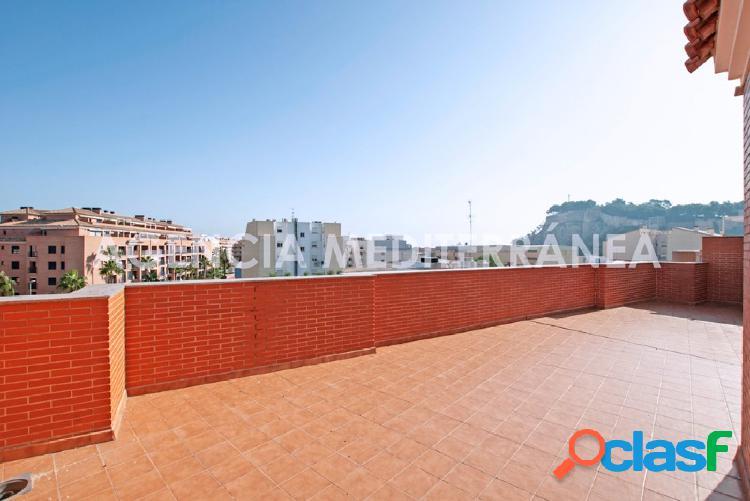 Venta exclusiva 2 preciosos áticos con gran terraza a 300