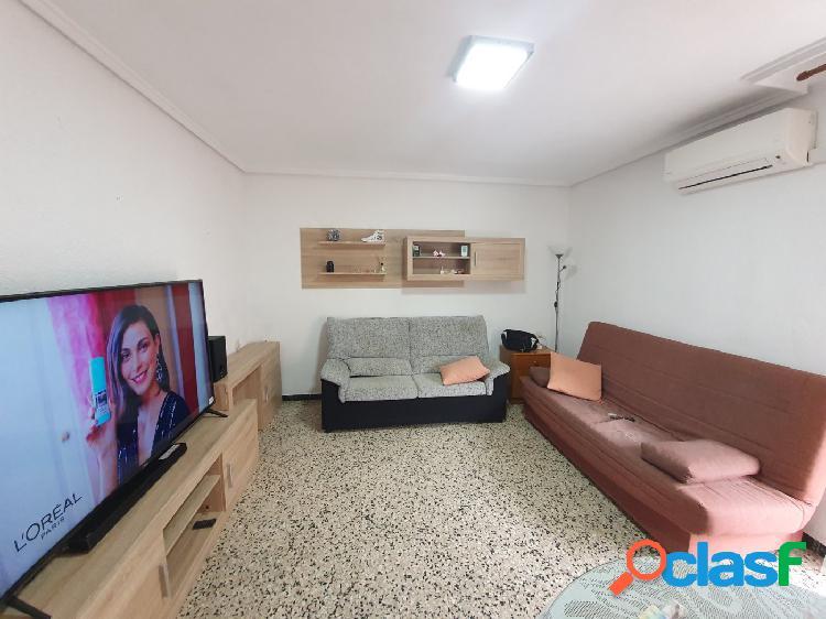 Bonito piso a la venta recayente a la avd Daniel Gil de