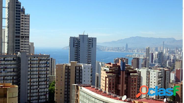 Apartamento con 2 terrazas y vistas fantásticas al mar y