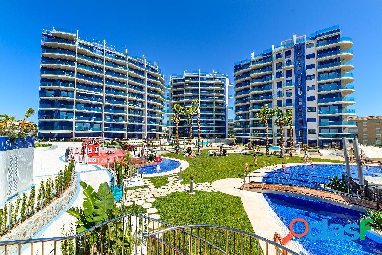 Estupendo apartamento con vistas al mar en Punta Prima,