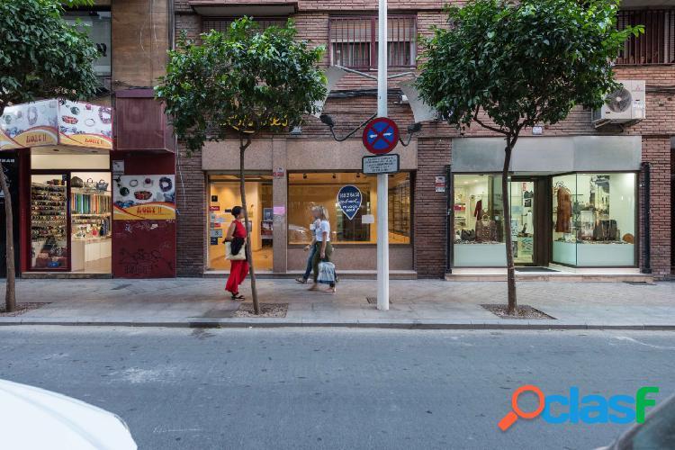 Local comercial en Calle Alejandro Seiquer, 244 m2