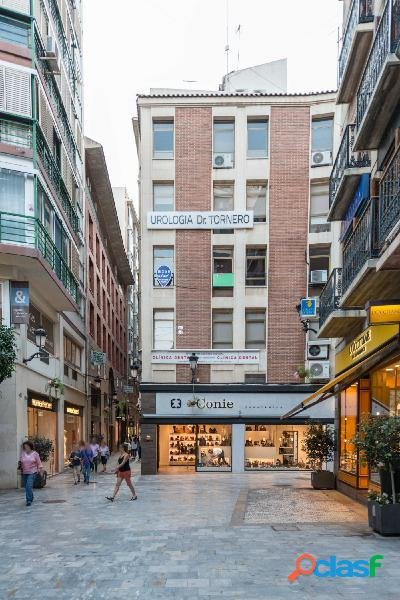 Oficina en zona centro, calle Calderón de la barca.