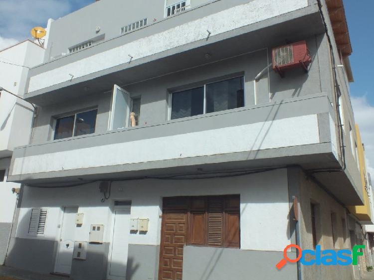 Se venden dos pisos en planta baja en misma escritura. Playa